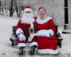 santa claus and mrs claus picture