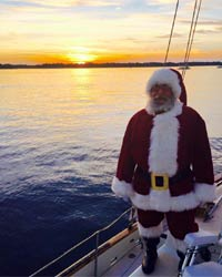santa claus on sailboat picture